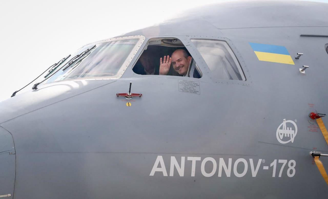 Украинский Ан-178 на выставке в Стамбуле