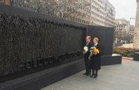 Тимошенко и Немыря почтили в Вашингтоне  память жертв Голодомора