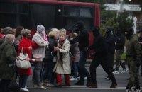 Силовикам у Білорусі дозволять застосовувати проти мітингувальників бойову зброю