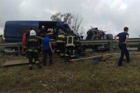 Три человека погибли в итоге  ДТП смикроавтобусом вЛьвовской области