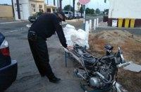 На границе с Венгрией пограничники обнаружили в багажнике легкового BMW мотоцикл