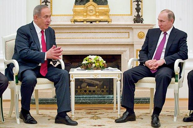 Президент РФ Путин и премьер Израиля Нетаньяху во время встречи в Москве, 9 марта 2017г.