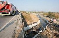 Грузовик упал с 20-метрового моста в Турции, 22 погибших