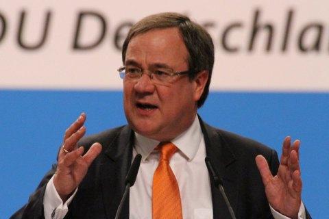 """Кандидат у канцлери Німеччини від партії Меркель підтримав запуск """"Північного потоку-2"""""""