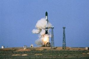 """МЗС: Україна не збирається продавати технологію виробництва ракет """"Сатана"""""""