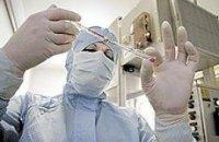 """Главный иммунолог дает только 40%, что """"свинной грипп"""" обойдет Киев"""