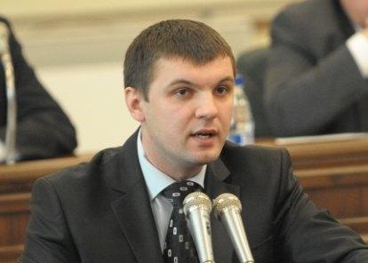На путинский форум в Петербурге могли поехать только политические лузеры, - депутат Гузь