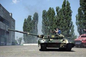 Украинские солдаты получат 10 танков из Харькова