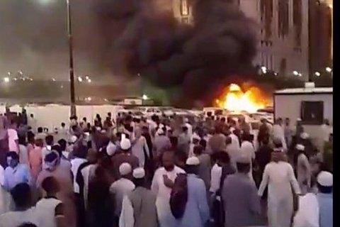 Террорист-смертник подорвался у Мечети пророка в Медине