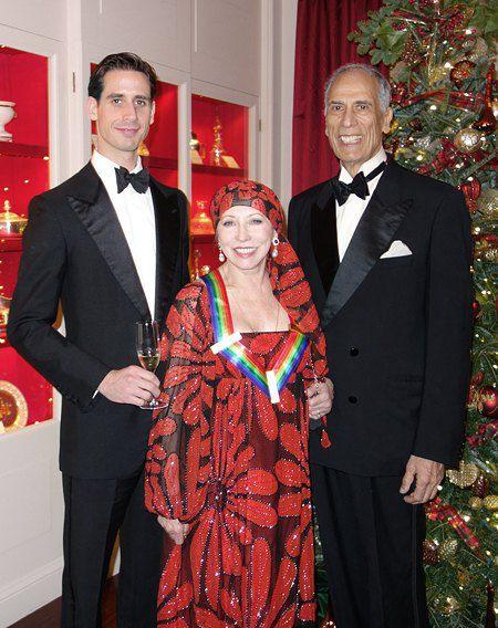 Наталья Макарова с сыном и мужем на вручении премии Кеннеди-центра