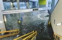 У Лондоні внаслідок зливи затопило лікарні, дороги і станції метро