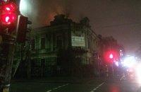 У Києві загорівся будинок-пам'ятка архітектури на розі Іллінської та Волоської (оновлено)