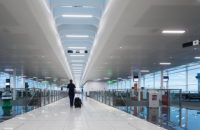У лондонському аеропорту вісім пасажирів травмувалися під час екстреної посадки літака