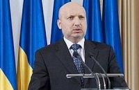 Турчинов пообіцяв, що не дасть просунути у східних областях кримський сценарій