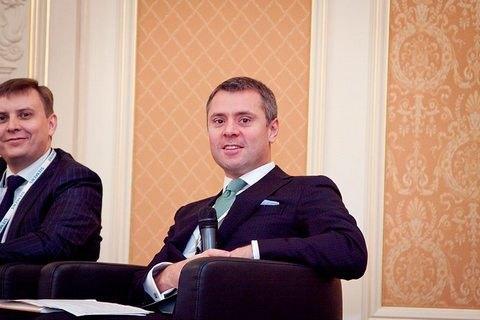 """Топ-менеджер """"Нафтогазу"""" про Азарова: на людей у такому віці гріх ображатися"""