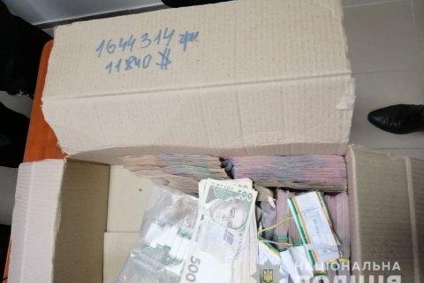 У Луганській області провели 23 обшуки у справі про підкуп виборців