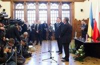 Половина украинцев относится к нынешней власти равнодушно, - опрос