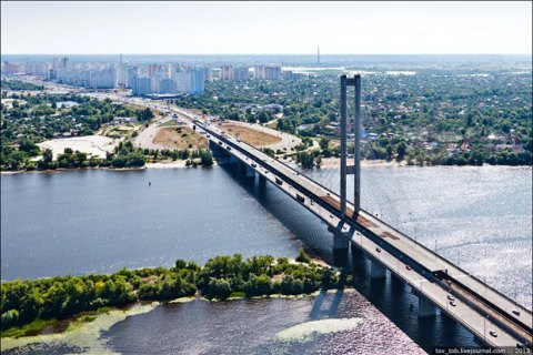 В Киеве на выходных ограничат движение по Южному мосту из-за ремонтных работ