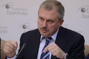 """Сенченко пообещал Майдану не дать революции утонуть """"в соплях политиков"""""""