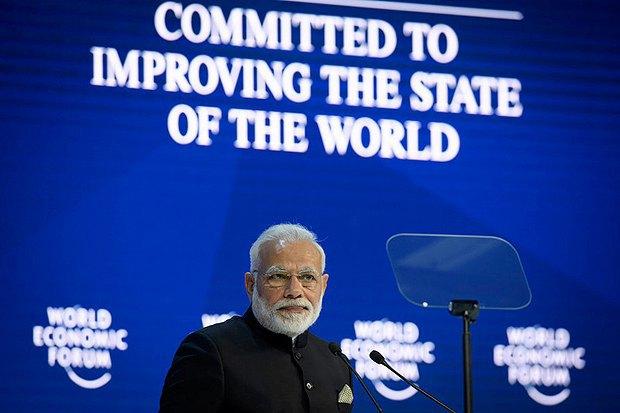 Премьер-министр Индии Нарендра Моди во время выступления в форуме в Давосе