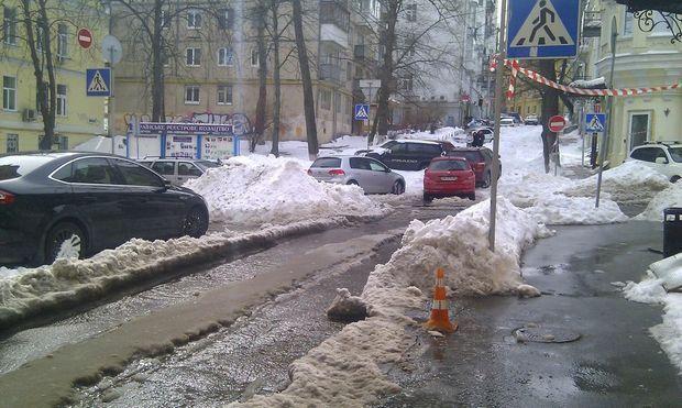 Перекресток Малой Житомирской и Михайловского переулка