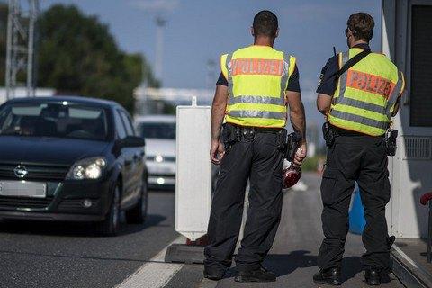 В Мюнхене мужчина на велосипеде напал на прохожих с ножом