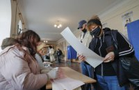 На Житомирщині розслідують можливі фальсифікації на виборчій дільниці з явкою 98%