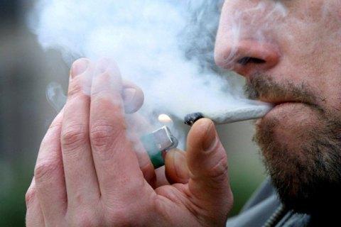 Наркоконтроль зібрався дозволити марихуану