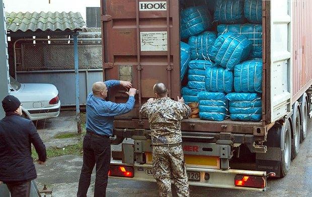 В Одесу з Латвії прибула гуманітарна допомога для переселенців з Донбасу і Криму