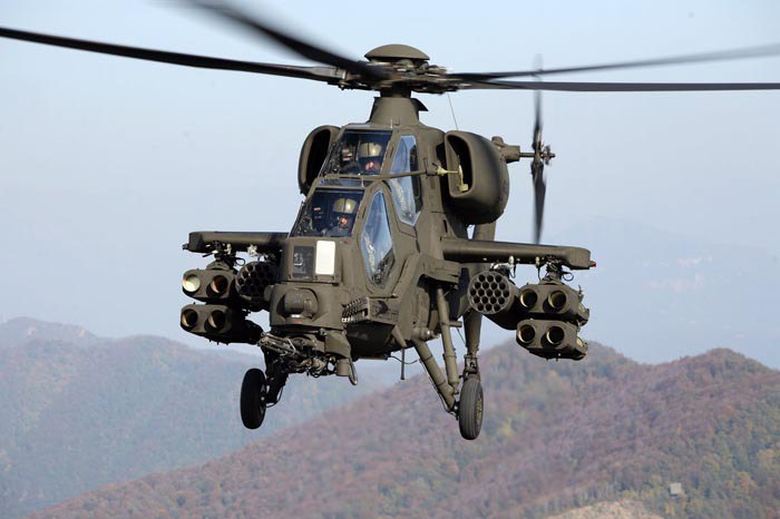 Ударний вертоліт, розроблений італійською фірмою Агуста- Agusta A129 Mangusta