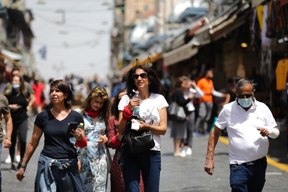 Більшість ізраїльтян відвідують громадські місця без масок, Єрусалим, 18 квітня 2021 р.