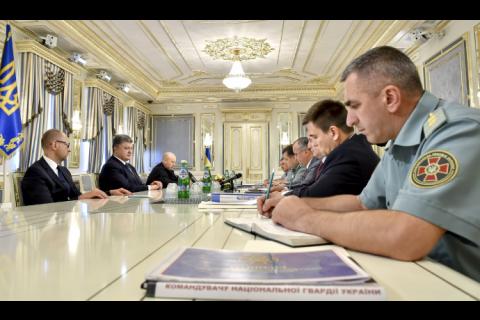 Військовий кабінет перегляне стратегію сил АТО на Донбасі