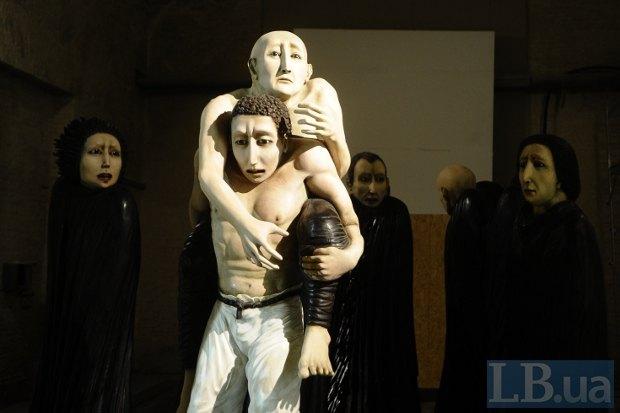 Фотография не может передать, насколько жутка эта инсталляция художницы бразильского происхождения Анны Марии Пачеко