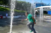 Саакашвили вслед за Зеленским пробежался по фонтану