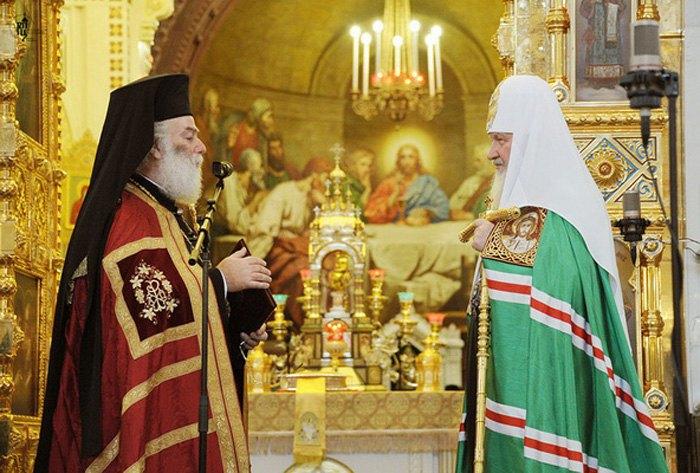 Патриархи Феодор и Кирилл в московском Храме Христа Спасителя