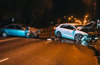 В Броварах на пустой улице лоб в лоб столкнулись две Audi