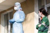 За границей от коронавируса лечатся 18 граждан Украины, более 100 находятся на карантине