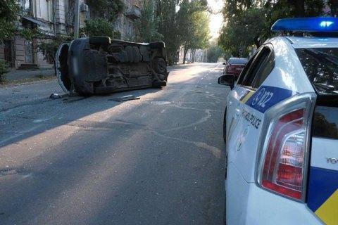 У Херсоні після ДТП перекинувся автомобіль з бюлетенями