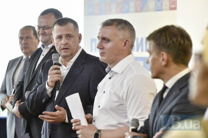 Cлева-направо: Андрей Райкович, Алексей Каспрук, Борис Филатов, Александр Сенкевич, Сергей Сухомлин.