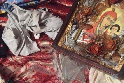 В Днепре наркоман чуть не забил до смерти свою бабушку иконой