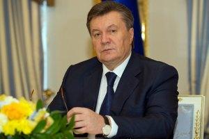 Янукович заявил, что его машину вчера обстреляли
