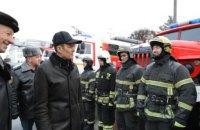 В РФ губернатор заставил пожарного подпрыгивать за ключами от новой служебной машины