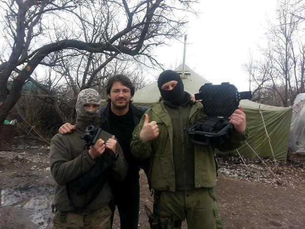 Сергей Притула привез оптику бойцам в Песках