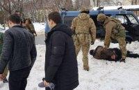 СБУ затримала на місці злочину чоловіка, підозрюваного в підготовці терактів під час виборів