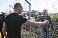 """Яценюк: """"Якби я залишився прем'єром, """"Стіну"""" було б добудовано"""""""