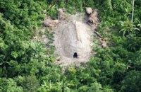 В джунглях Амазонки засняли неизвестное племя индейцев