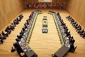 В Еврокомиссии посоветовали Украине пока не мечтать о безвизовом режиме
