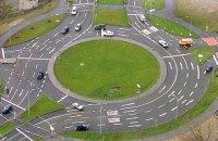 Кабмін вніс зміни в правила проїзду перехресть з круговим рухом