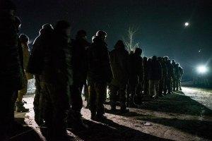 В плену остается 130 бойцов ВСУ, - Минобороны