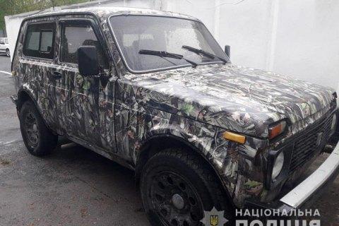 У Чорнобильській зоні затримали ВАЗ, водій якого був п'яним, а пасажирка вкусила патрульного